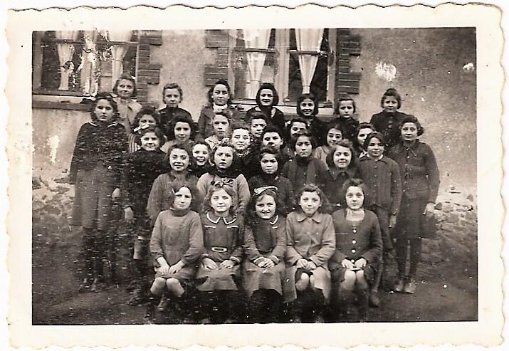 ecole-des-filles-des-cerqueux-1942-petite-photo