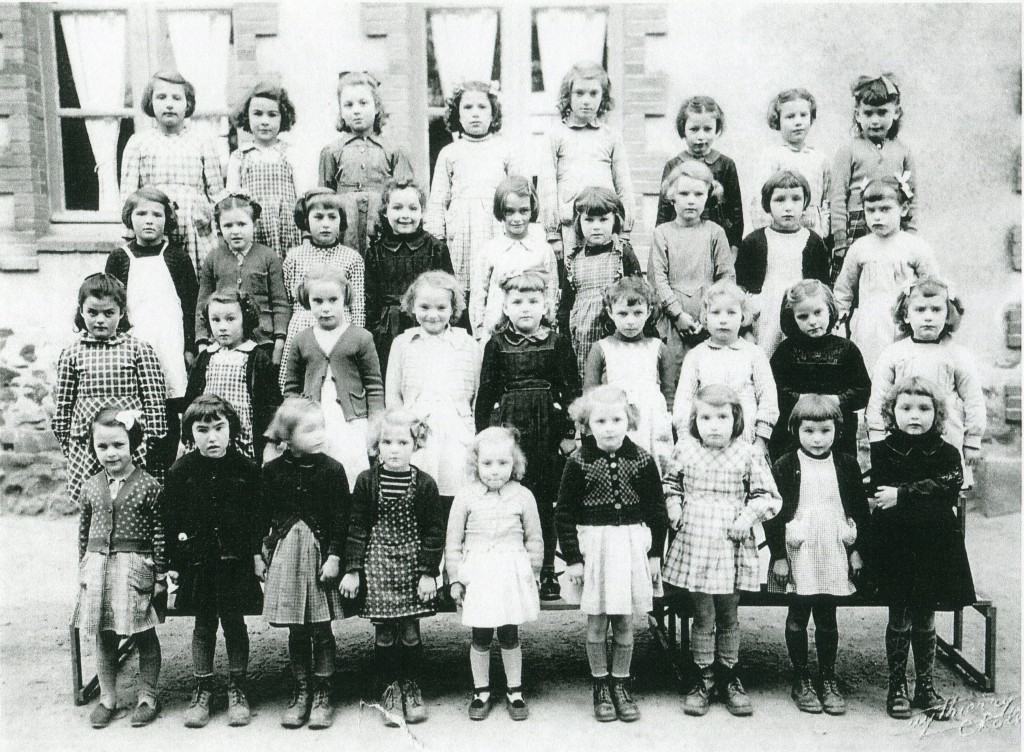 ecole-des-filles-peut-etre-1952